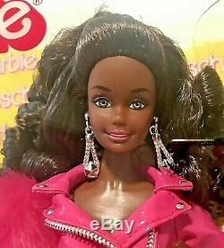 NEW LIMITED EDITION 200 pcs Worldwide Moschino Barbie Doll AA Met Gala Rare
