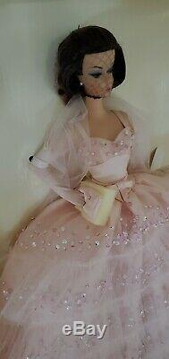 2000 Dans Le Rose Silkstone Barbie Doll Nrfb Avec Shipper Limited Edition 27683