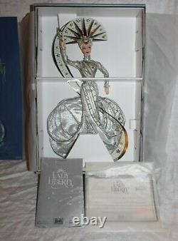 2000 Fao Schwarz Limited Edition Bob Mackie Lady Liberty Barbie Statue De Nib