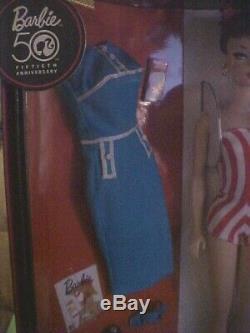 Barbie 2009 Convention 50e Ann. Ensemble En Édition Limitée, Rouge, Blanc Et Beau