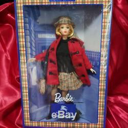 Barbie Burberry Edition Limitée Blue Label Unopened