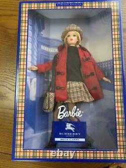 Barbie Burberry London Blue Label Doll Red Coat Collaboration Limited Japon Utilisé