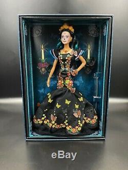 Barbie Collector Dia De Los Muertos (jour Des Morts) Doll Limited, Dans La Main