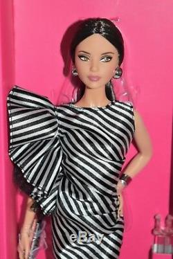 Barbie Doll Convention Rfdc 2018 Brunette Striking Stripes Limitée Ed