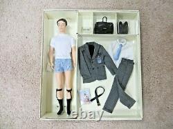 Barbie Fashion Insider Ken Silkstone Doll Model 2002 Limited Ed. Nouveau