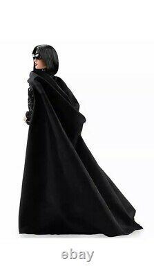 Barbie Star Wars Darth Vader Poupée D'or Étiquette Limitée Dans La Main Lot De 8