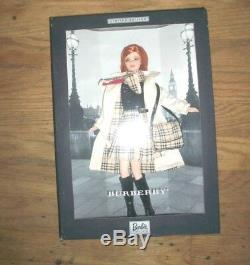 Burberry 2000 Barbie Edition Limitée Cheveux Rouges Rare