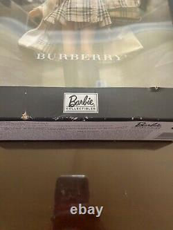 Burberry Barbie Doll 2000 Limited Edition Mattel 29421 Nrfb
