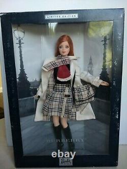 Burberry Barbie Doll (limited Edition) Box Jamais Ouvert