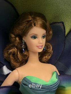Édition Limitée Barbie Flowers In Fashion Collection L'iris. Nib, Onf. 2001