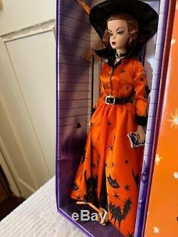 Halloween Haunt Barbie Or Étiquette Monnaie Édition Limitée Seulement 3.100 Dans Le Monde Entier