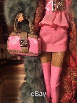 Kimora Lee Barbie Nib 2007 Label Gold Limited Ed. 12500 Dans Le Monde Entier