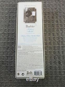 Limited Edition Fao Schwartz Barbie Fashion Model Soie Véritable Corps De Pierre Nib