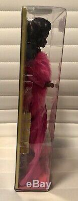 Nouvelle Édition Limitée 200 Pièces Dans Le Monde Entier Poupée Barbie Moschino Aa Avec Le Gala Rare
