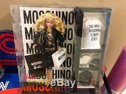 Nrfb Limited Edition Blonde Moschino Barbie Issue D'une Maison Sans Fumée, Sans Animaux Et Sans Enfants