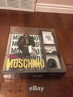 Poupée Barbie Afro-américaine Aa Moschino Gold Label Limitée À 700 Exemplaires Dans Le Monde