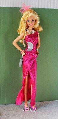 Poupée Barbie Moschino Platinum Blonde Modèle Muse Edition Limitée Rare Rare