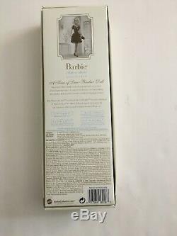 Une Trace De Dentelle Platinum Label Barbie Blonde Japonaise Limitée À 500